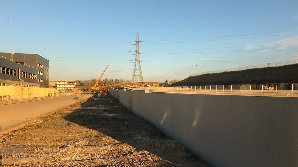 precast retaining wall construction